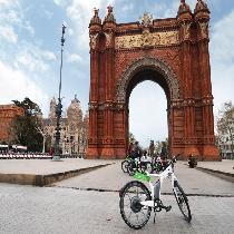 E-Bike Highlights Tour & Skip the Line Sagrada Familia (Am) – Premium Small Group