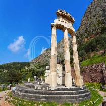 Delphi one day-The center of Ancient World-the Omphalos