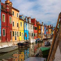 Gems Of The Lagoon: Murano & Burano Islands Boat Tour with Glass Factory Visit and Escort