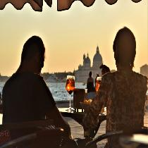 Spritz On Sunset with Official Guide, Boat ride and Aperitif on Board