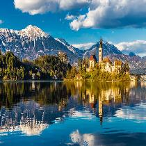 Slovenia Day Trip from Vienna Including Ljubljana & Bled with Transportation, Official Guide and Walking tour