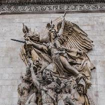 Arc de Triomphe and Champs Elysees-Skip the line Tour with Official Guide