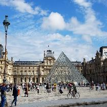 Best of Paris - Notre Dame & Louvre with Official Guide and Entrance Fees
