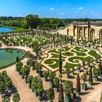 Giverny and Versailles Palace from Paris with Transportation, Entrance fees and Official Guide