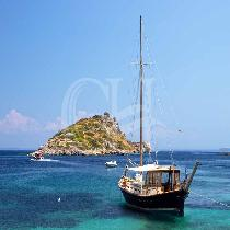 Day tour to Kefalonia from Zante with transfer & tour escort