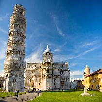 Pisa & Lucca Tour with Official Guide and Transportation
