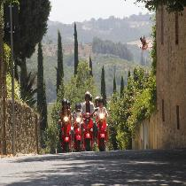 Vespa & Chianti Small Group Tour