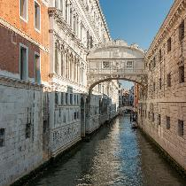 Venice from Milan with Boat trip, Walking tour, guide and Transportation