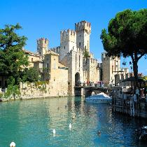Verona and the Lake Garda (Sirmione) with Free time and Transportation
