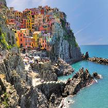 Cinque Terre with Official guide, Free time and Transportation