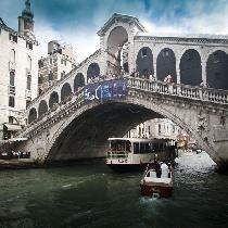 Grand Canal Boat Tour with Official Guide