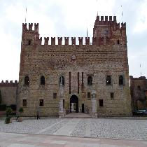 Medieval hills towns of the Veneto and prosecco wine tasting