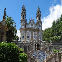 Douro Tour Full Day with Official Guide, Lunch, Wine tasting, Cruise and Transportation