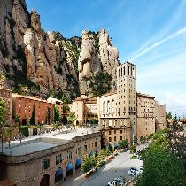 Barcelona Full Day Montserrat & Artistic with Official Guide, Liquors Tasting, Entrance Fee and Transportation
